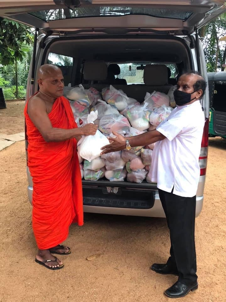 Food Provision to 50 needy families in Sri Lanka 50份粮食分派于斯里兰卡有需家庭
