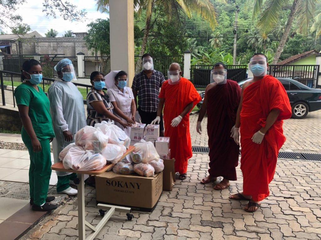 30 set good provisions to Covid 19- patients at Meegahatenna Hospital, Sri Lanka 30 份生活必需品捐赠于Meegahatenna区医院的新冠患者